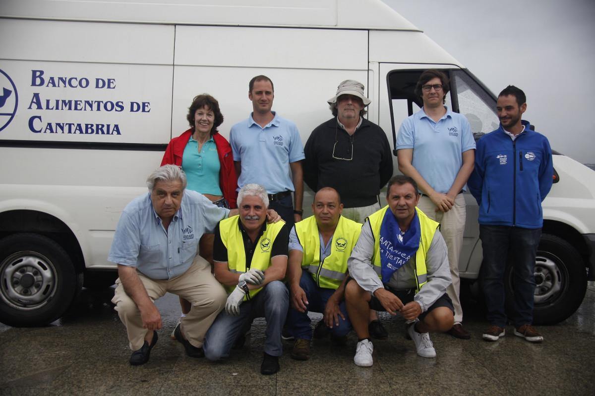 Entrega de las capturas del Circuíto Metromar al Banco de Alimentos de Cantabria