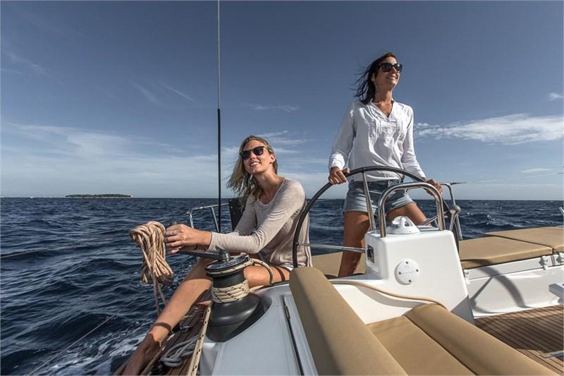 En velero y con la familia,  así navegaremos las mujeres este verano